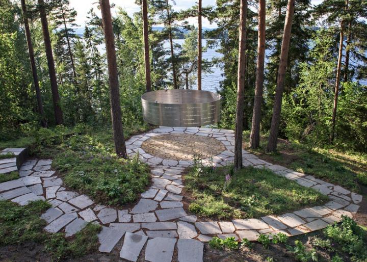 мемориал_жертвам_терракта_брейвик_норвегия_lovenordic